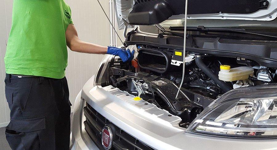 Come ridurre consumi olio motore